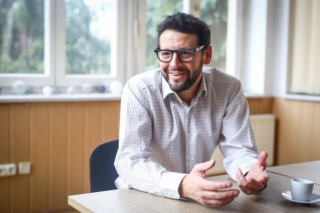 """""""Ungarn ist familienorientierter und freundlicher als Großbritannien"""" – Interview mit Adrian Courage"""