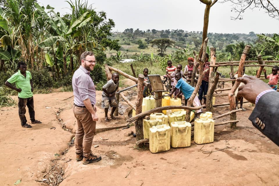 Hungary Helps startet Hilfsprogramm in Uganda