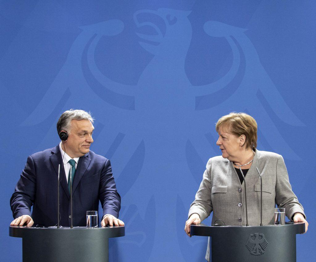 """Merkel: """"Die wirtschaftliche Entwicklung in Ungarn hat sich sehr positiv gestaltet"""""""