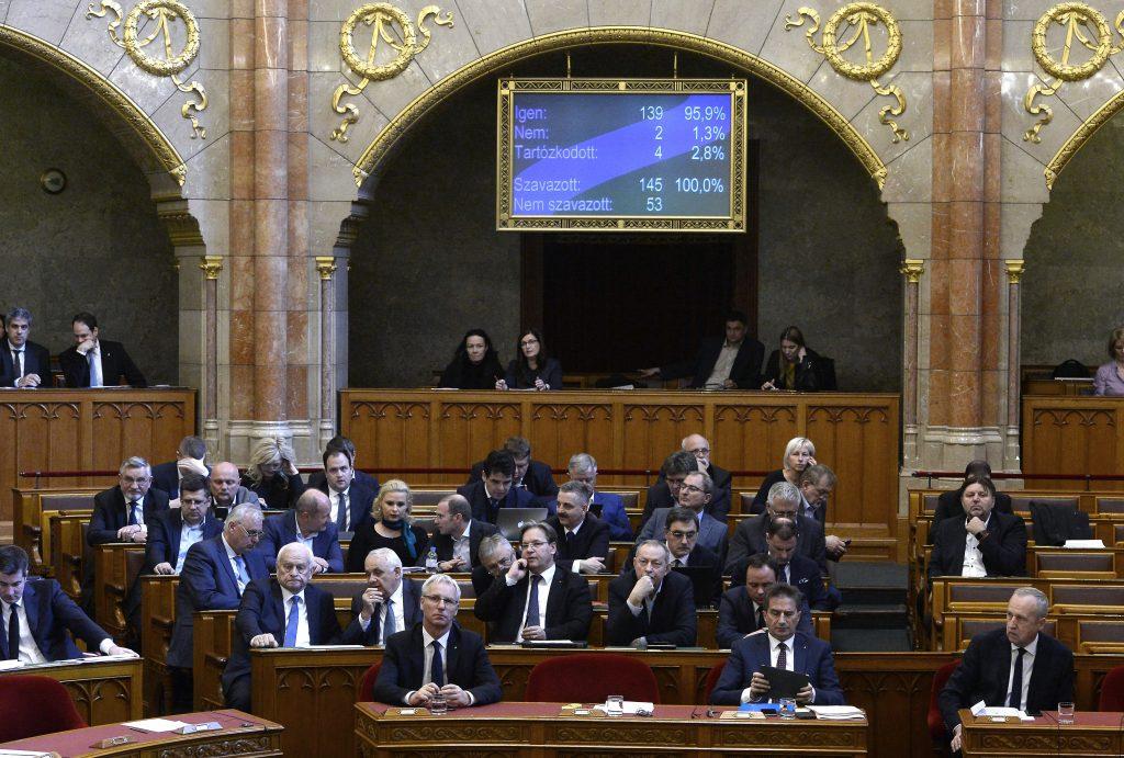 Coronavirus: Parlament stimmt über die Aufhebung des Ausnahmezustands ab