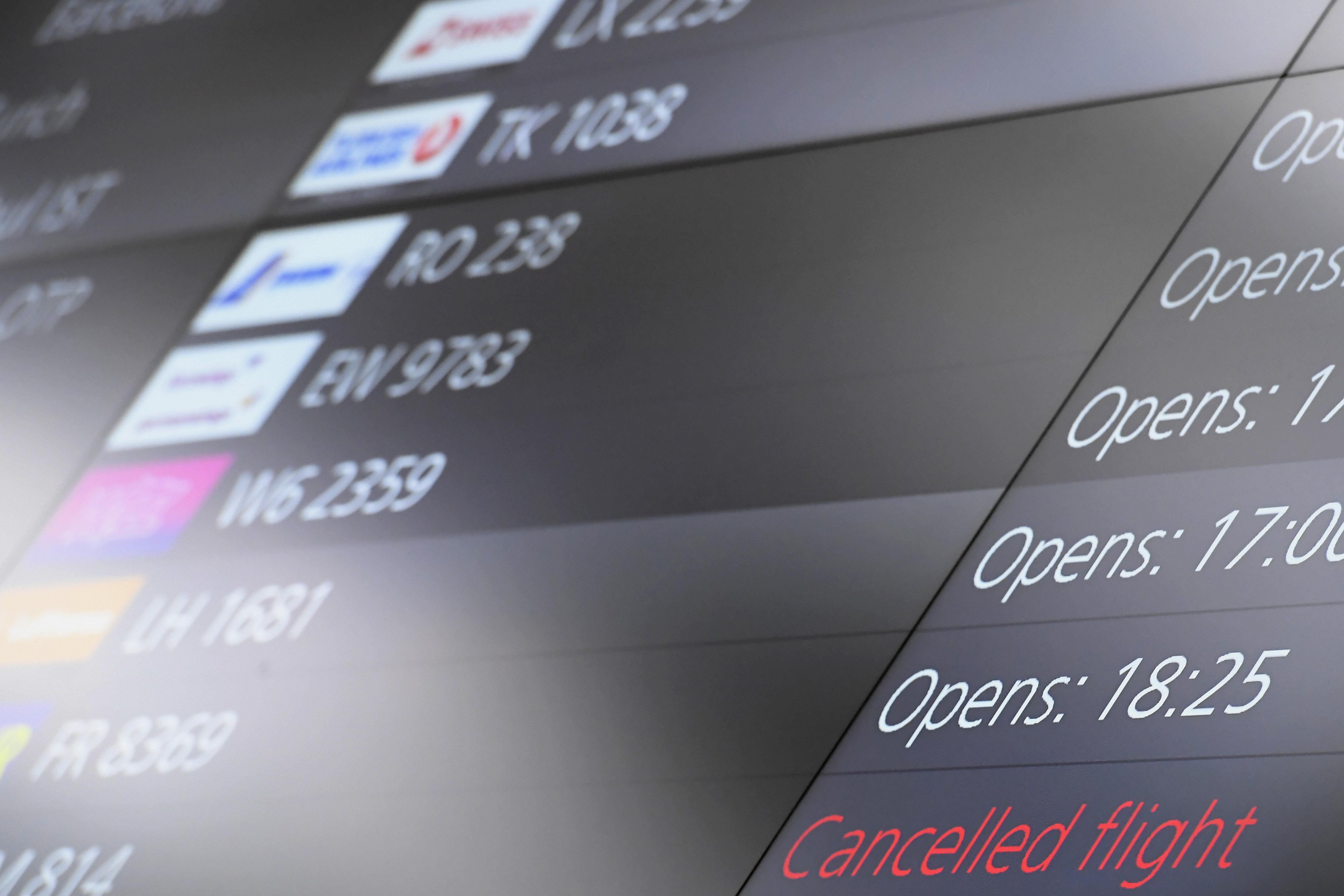 LOT nimmt Linienflugverkehr New York-Budapest wieder auf