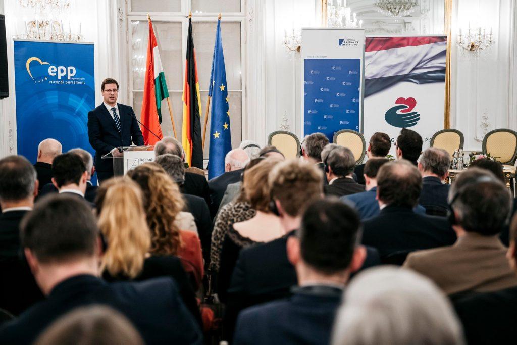 """Kanzleramtsminister: """"Europa hat Angst, seine christliche Wurzeln zu bewahren"""" post's picture"""