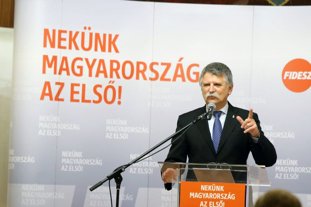 """Parlamentspräsident: Es gibt in Ungarn einen """"totalen politischen Krieg"""""""