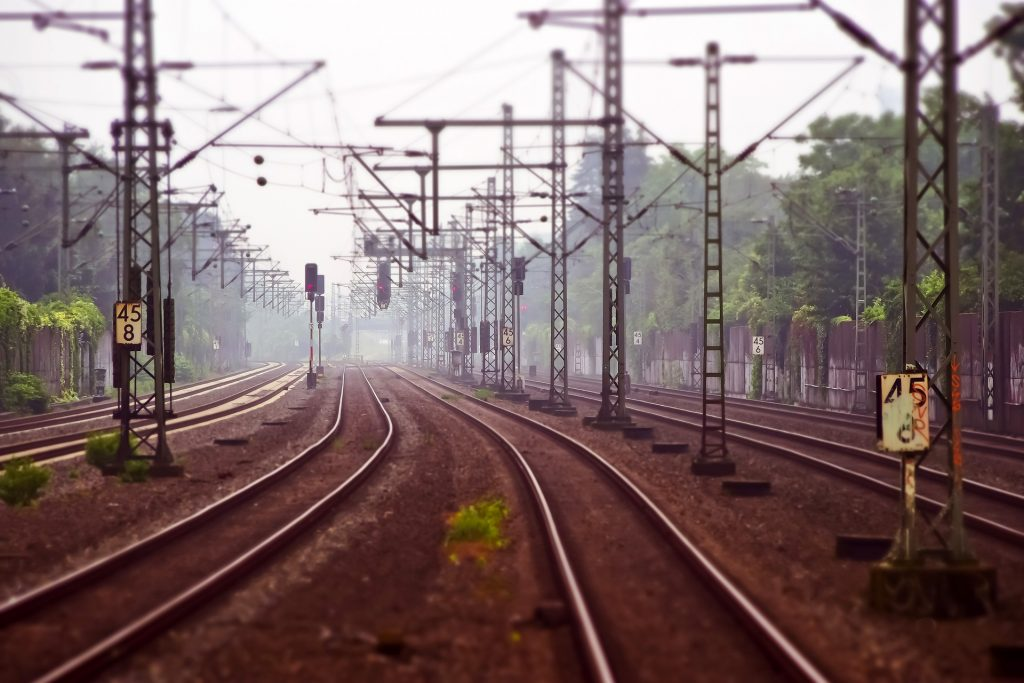 LMP fordert eine Eisenbahnlinie, die Budapest umgeht post's picture
