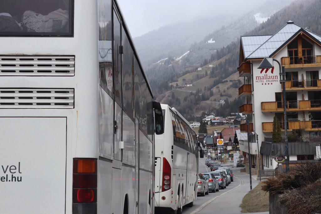 502 Ungarn kehren aus Tirol zurück