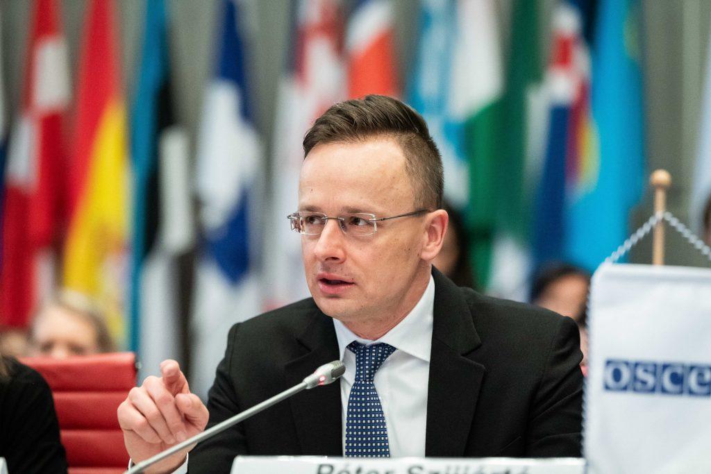 Außenminister: Ungarn verteidigt seine Grenzen