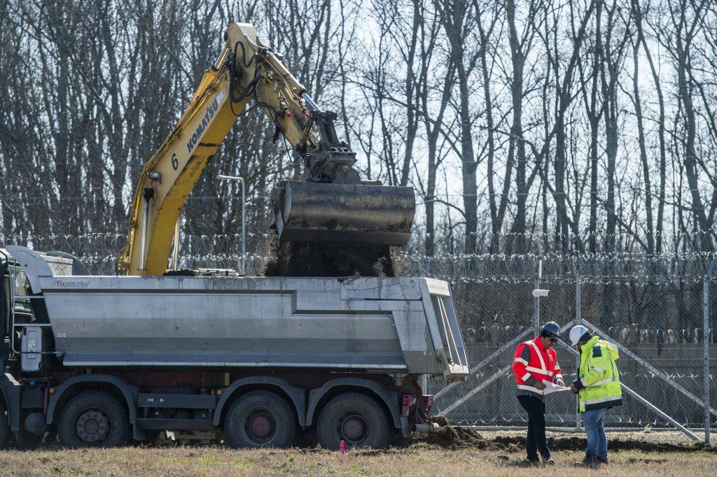 Bau vom Containerkrankenhaus beginnt post's picture
