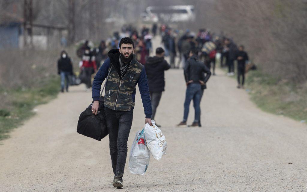 Das ungarische Gericht verurteilt drei illegale Migranten