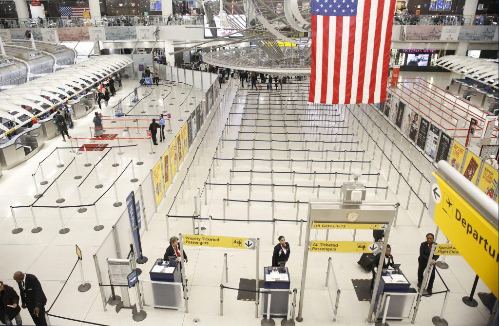 Zwei Flugzeuge bringen insgesamt 257 Ungarn aus den USA und Kanada zurück post's picture