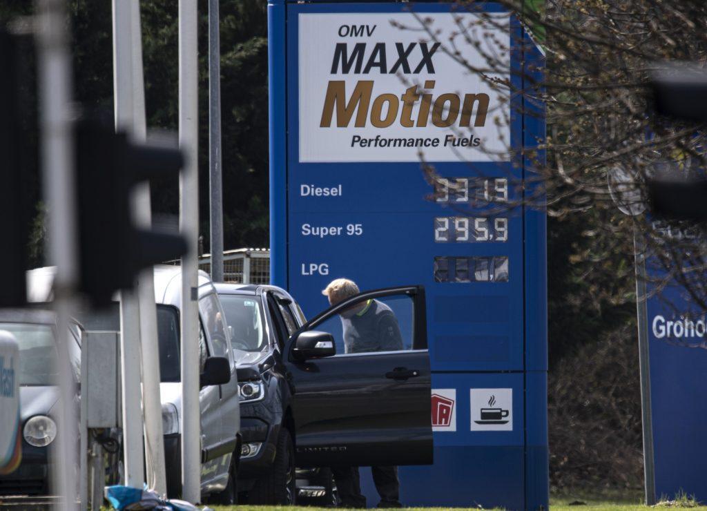 Benzinpreise sinken auf 4-Jahrestief