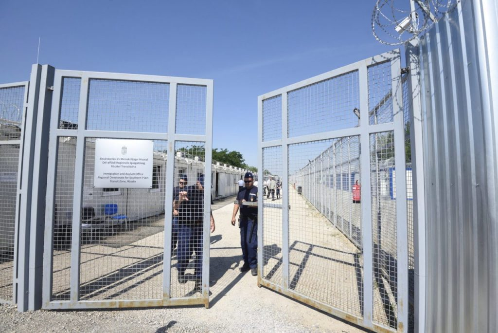 Coronavirus: Ungarn setzt Aufnahme von Migranten in die Transitzone aus