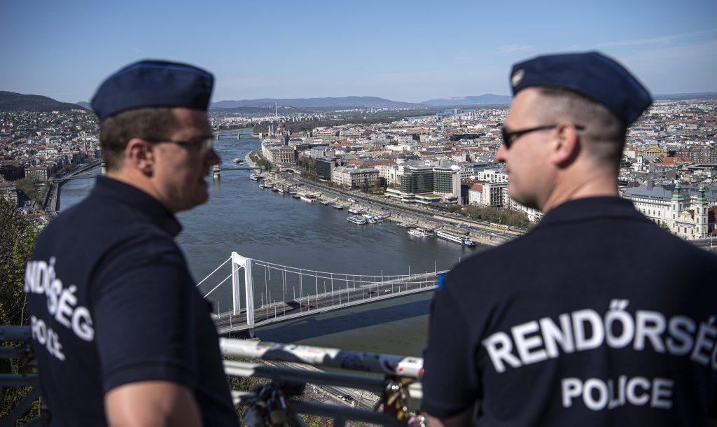 In Budapest bleiben die Beschränkungen, Lockerungsmaßnahmen nur für Komitat Pest angekündigt
