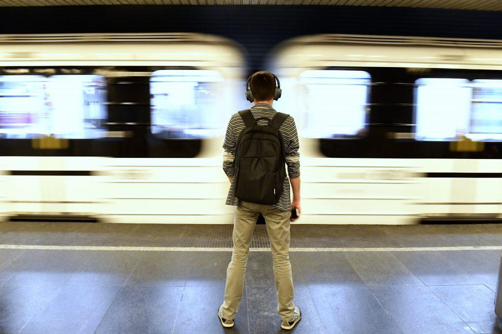 Budapester öffentlicher Verkehr mit voller Kapazität während der Abitur-Prüfungen