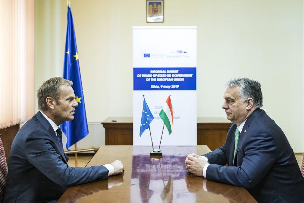 """Budapost: EVP-Chef Tusk nennt Ungarn eine """"entartete Demokratie"""""""