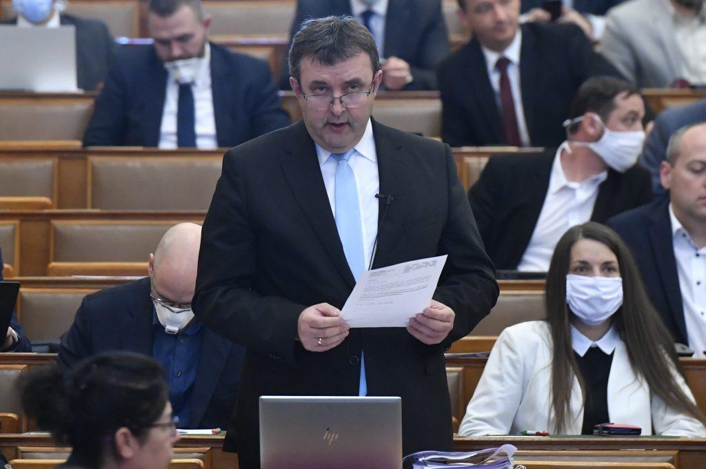 IT-Minister Palkovics verspricht 9.200 Milliarden Forint für den Wirtschaftsschutz