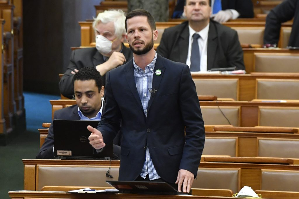 Coronavirus: Oppositionspartei Párbeszéd schlägt Grundeinkommen vor post's picture