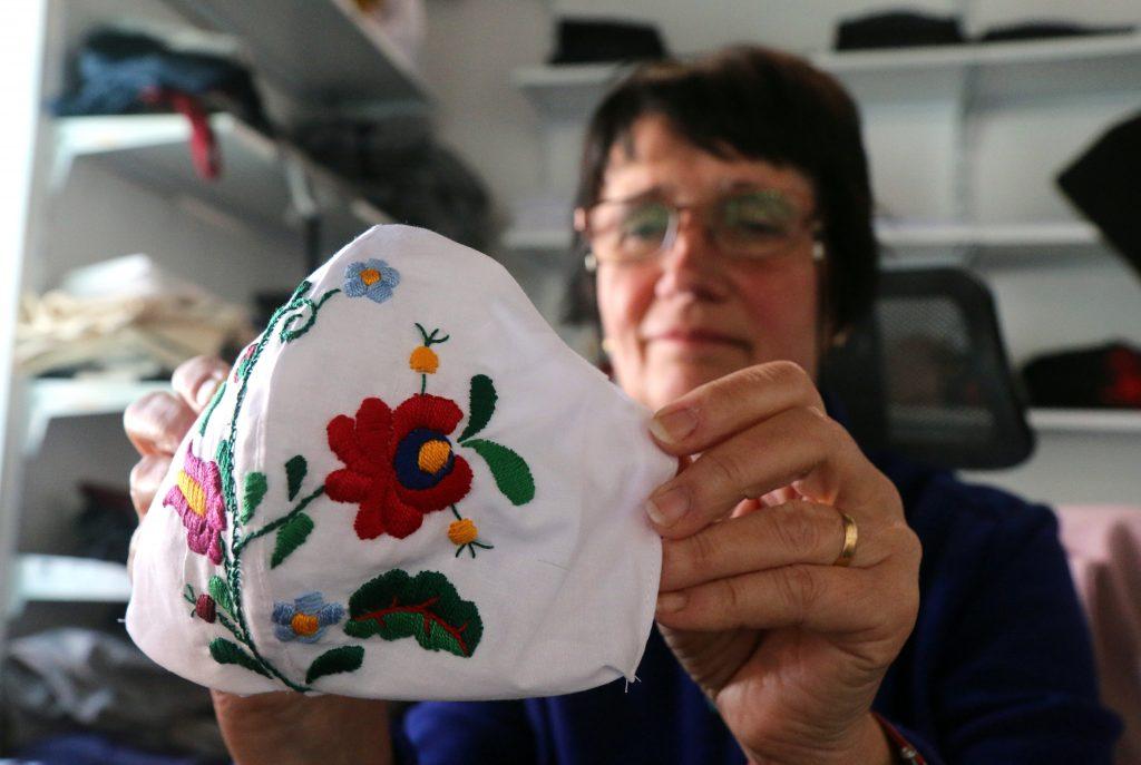 Matyó-Design: Volkstümliche Masken