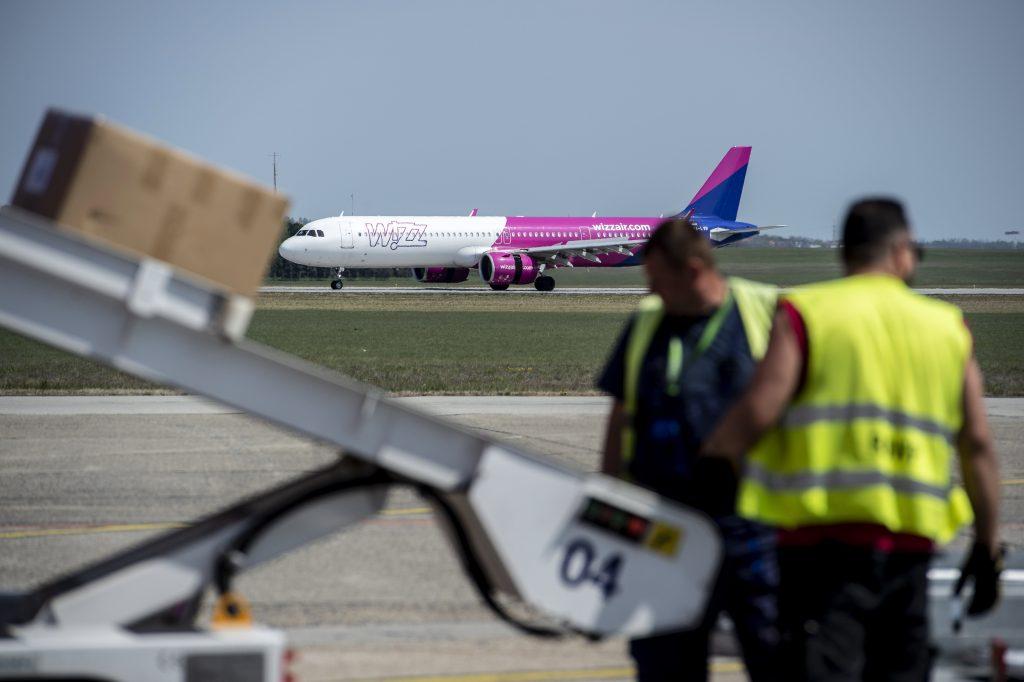 Tägliche Passagierzahl unter 300 am Flughafen Budapest post's picture