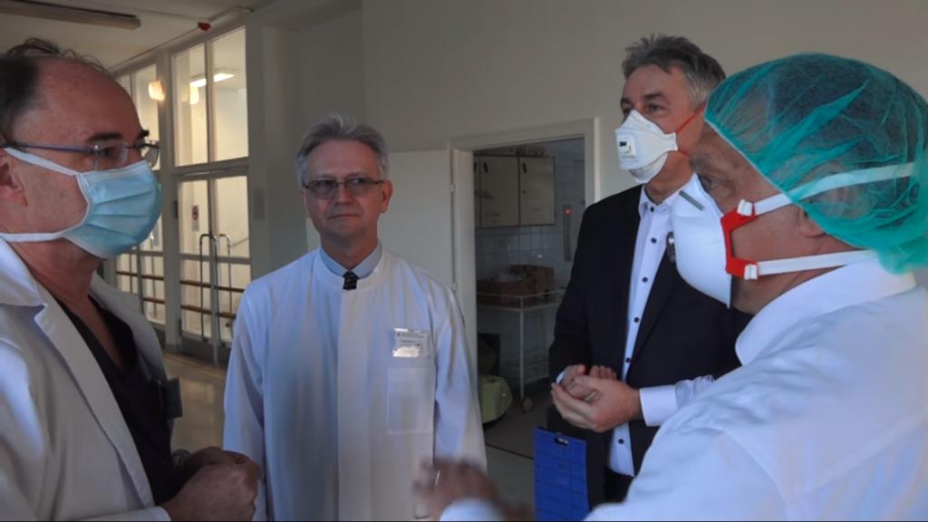 Coronavirus – Orbán sucht Budapester Krankenhäuser auf post's picture