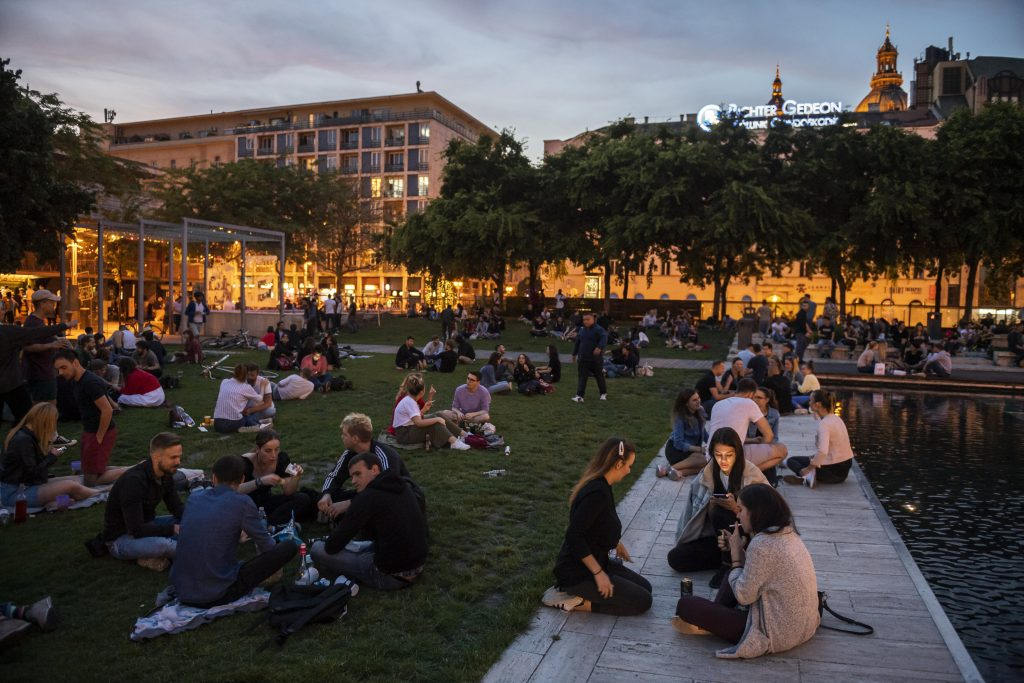 Corona-Lockerungen in Budapest: Die Stadt ist erleichtert post's picture