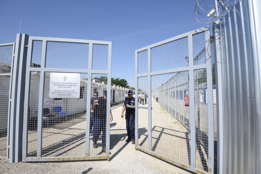 Nach EuGH-Urteil: Ungarn schließt Transitzone für Asylbewerber bei Röszke