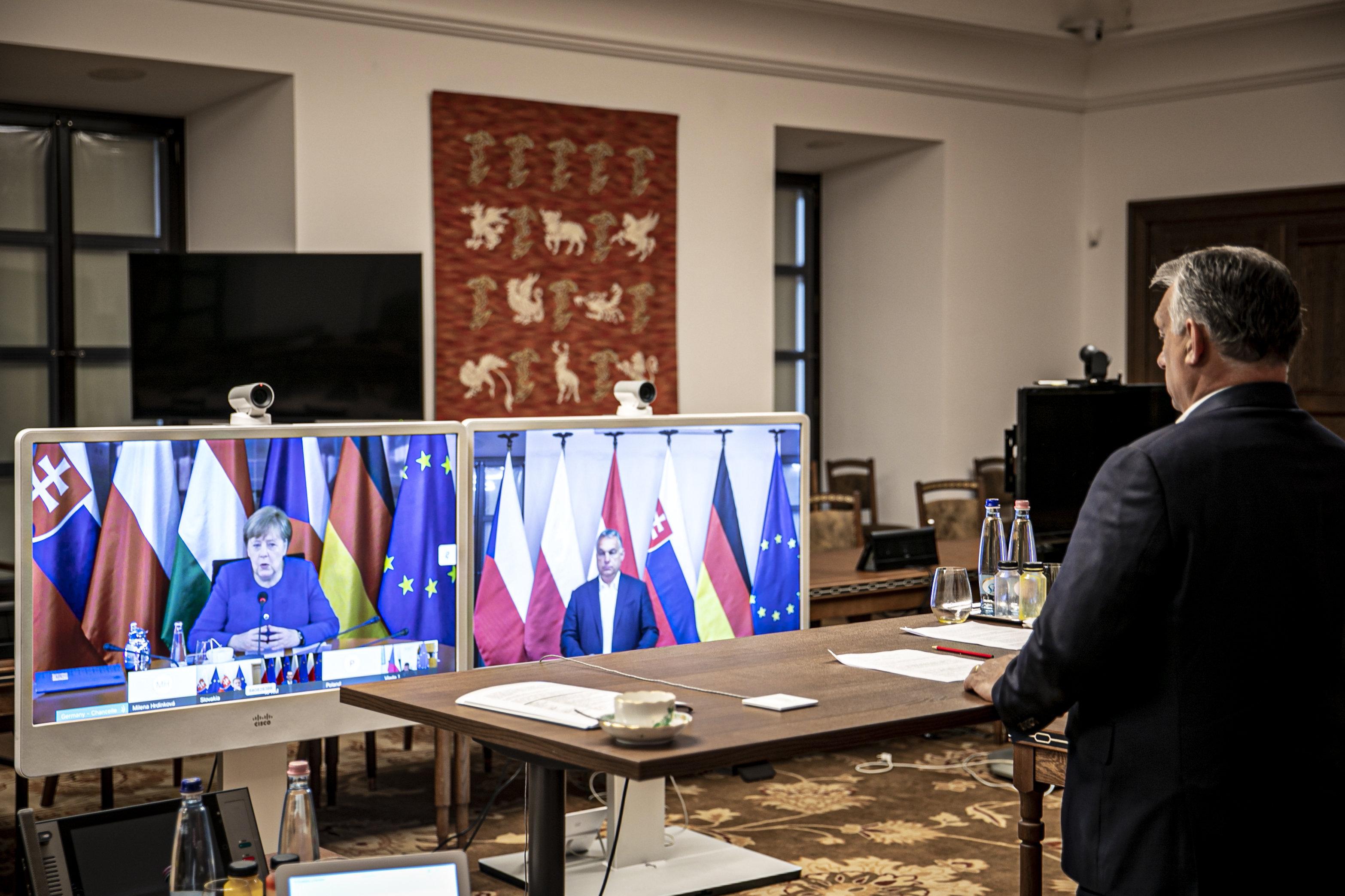 Videokonferenz mit Merkel post's picture