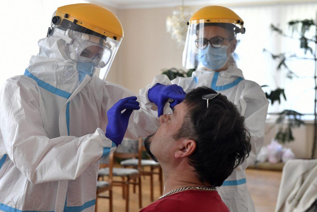 Coronavirus-Massentests: 8.000 Tests, zwei positive Fälle