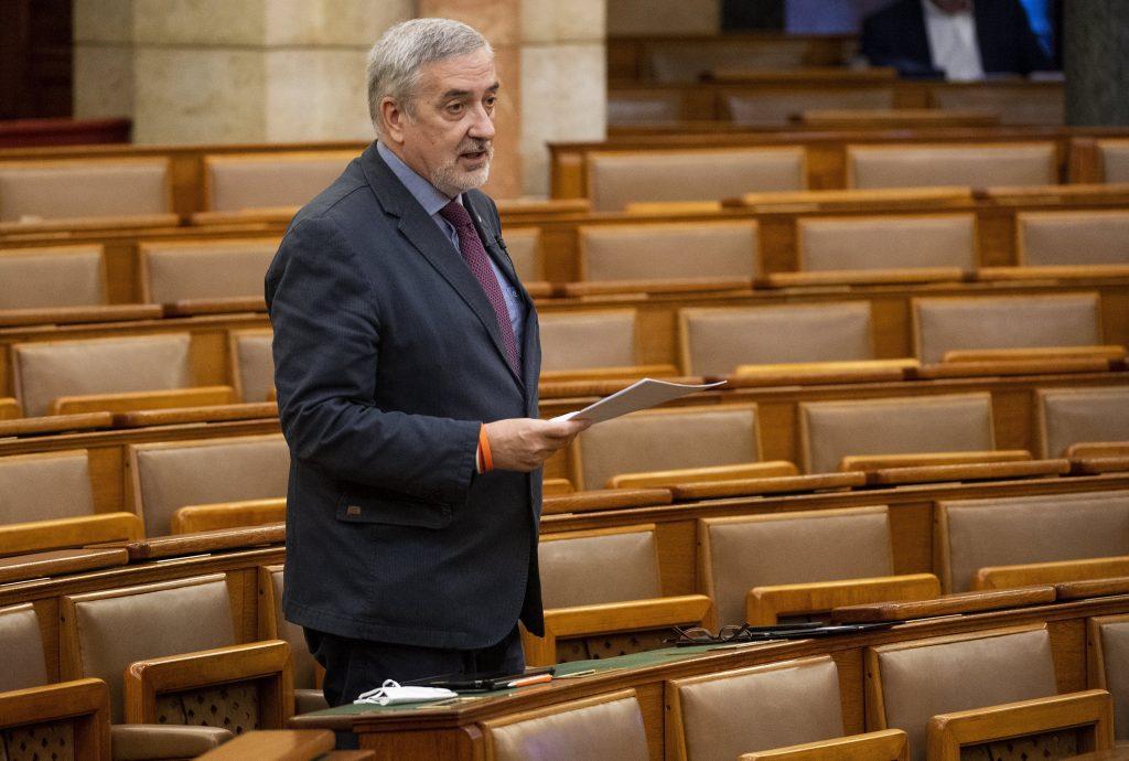 Coronavirus – Fidesz: Linke Gemeinderäte begegnen der Krise mit Sparmaßnahmen post's picture
