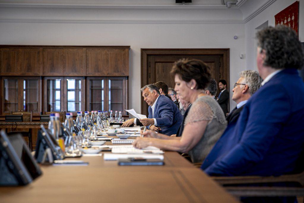 Coronavirus: Nationaler Kulturrat traf sich im Büro des Ministerpräsidenten