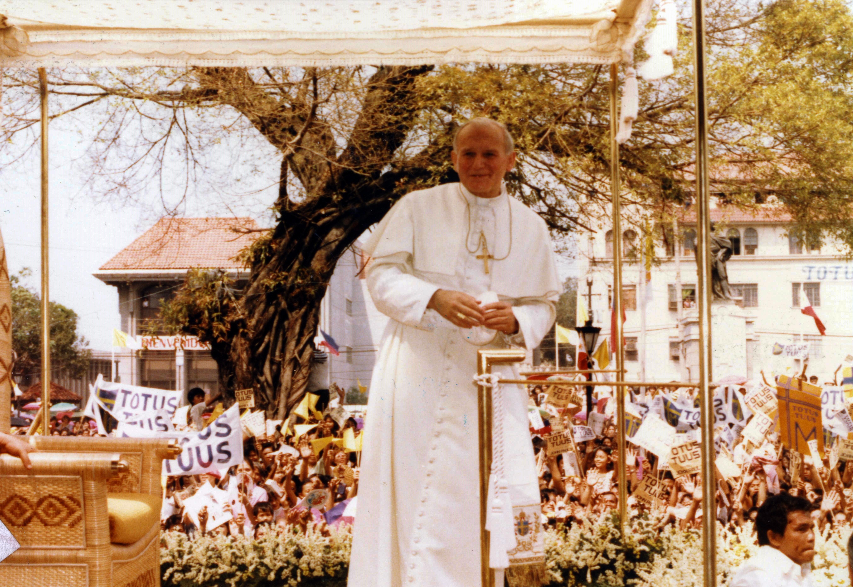 100. Geburtstag von Johannes Paul II., dem Papst, der in Ungarn immer noch sehr beliebt ist post's picture