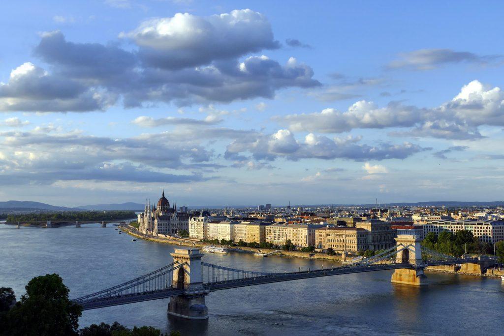 Konflikte um die Renovierung der Budapester Kettenbrücke