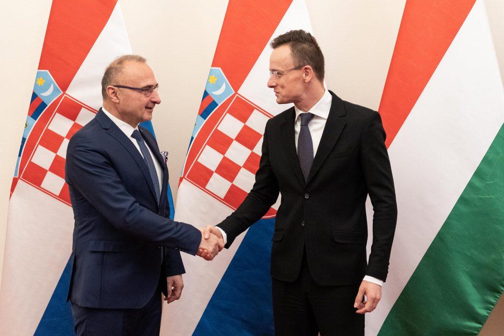 Außenminister Szijjártó gratuliert Kroatiens Mitte-Rechts Partei zum Wahlsieg