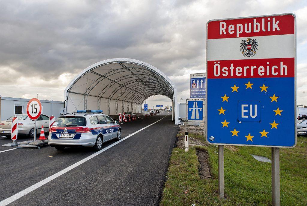 Österreich verschärft Grenzkontrollen post's picture