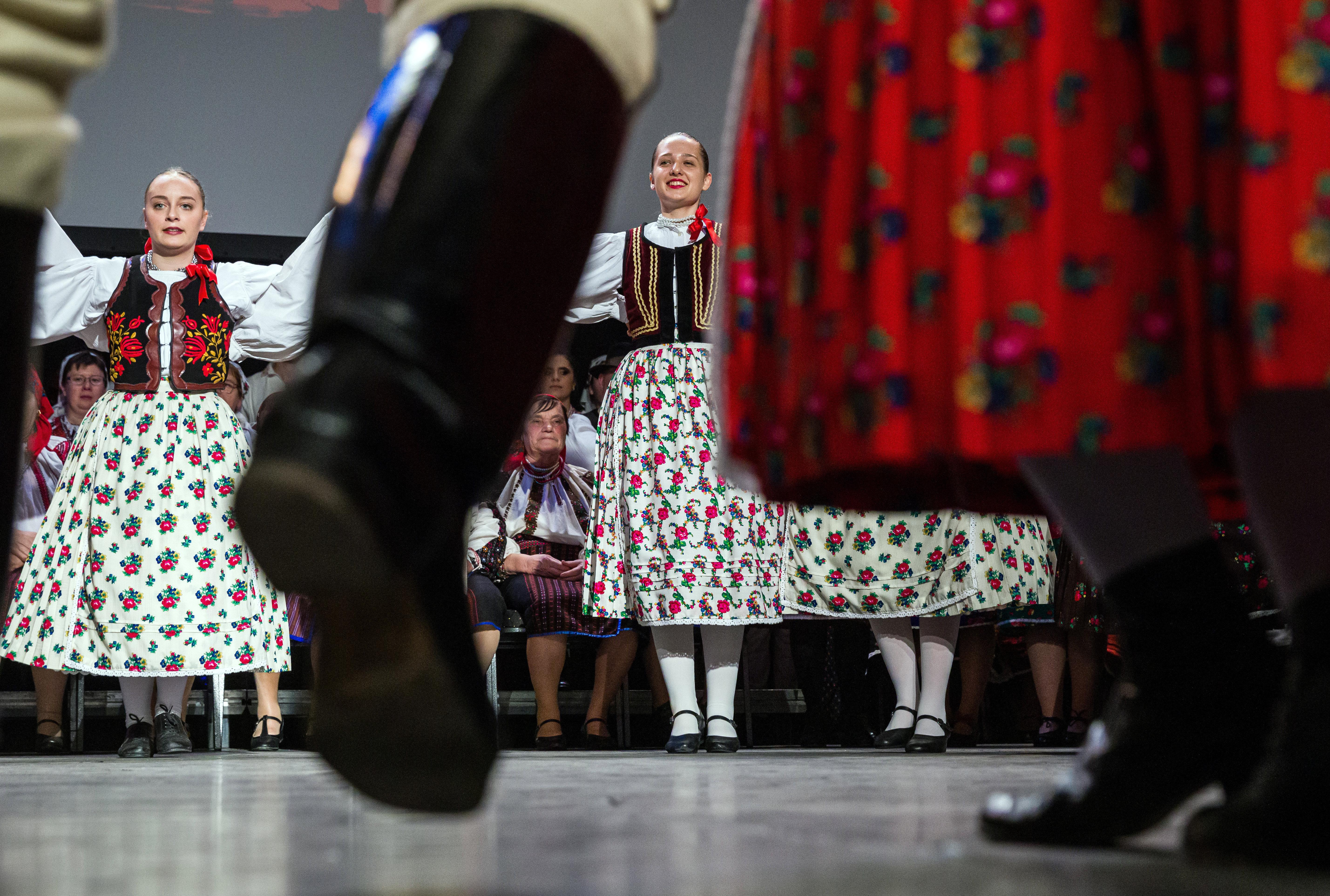Regierung hilft ethnischen ungarischen Gemeinschaften mit 2,2 Mrd. Forint post's picture