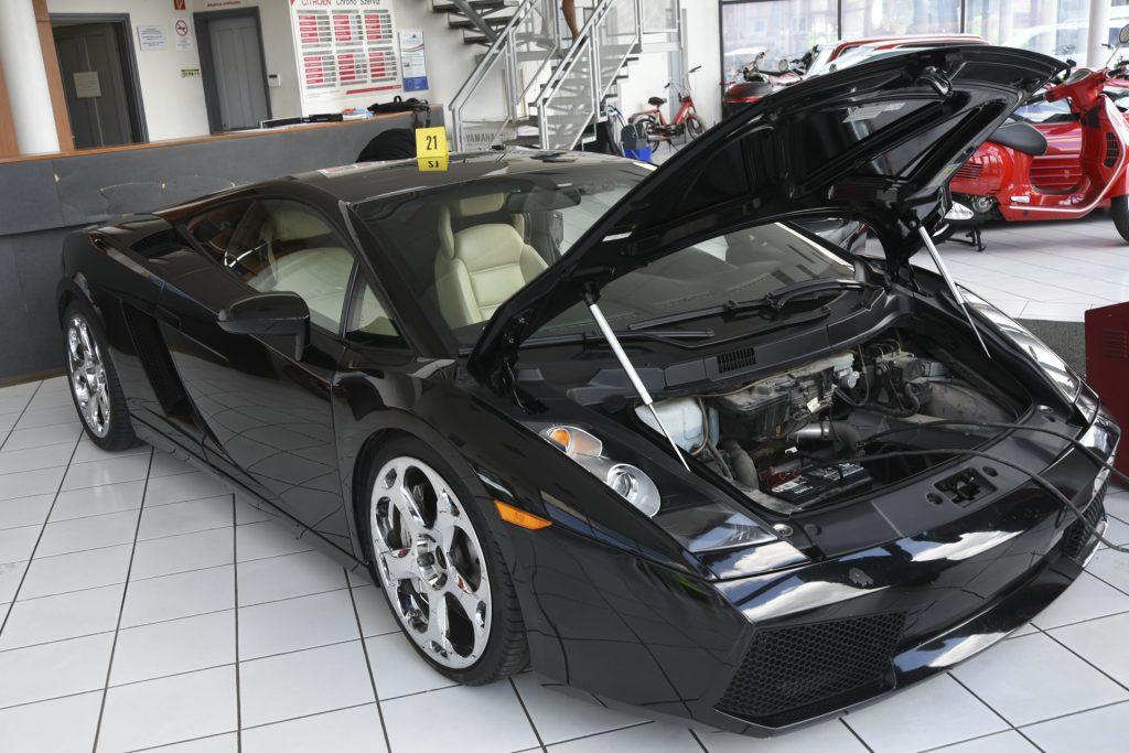 Polizei fand gestohlene deutsche und österreichische Luxusautos in Miskolc