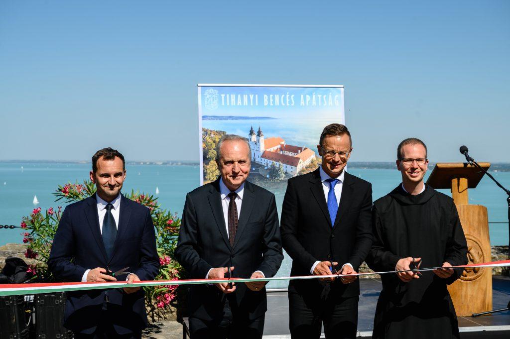 Außenminister nahm an der Einweihungsfeier des Museums der Benediktiner Abtei in Tihany teil