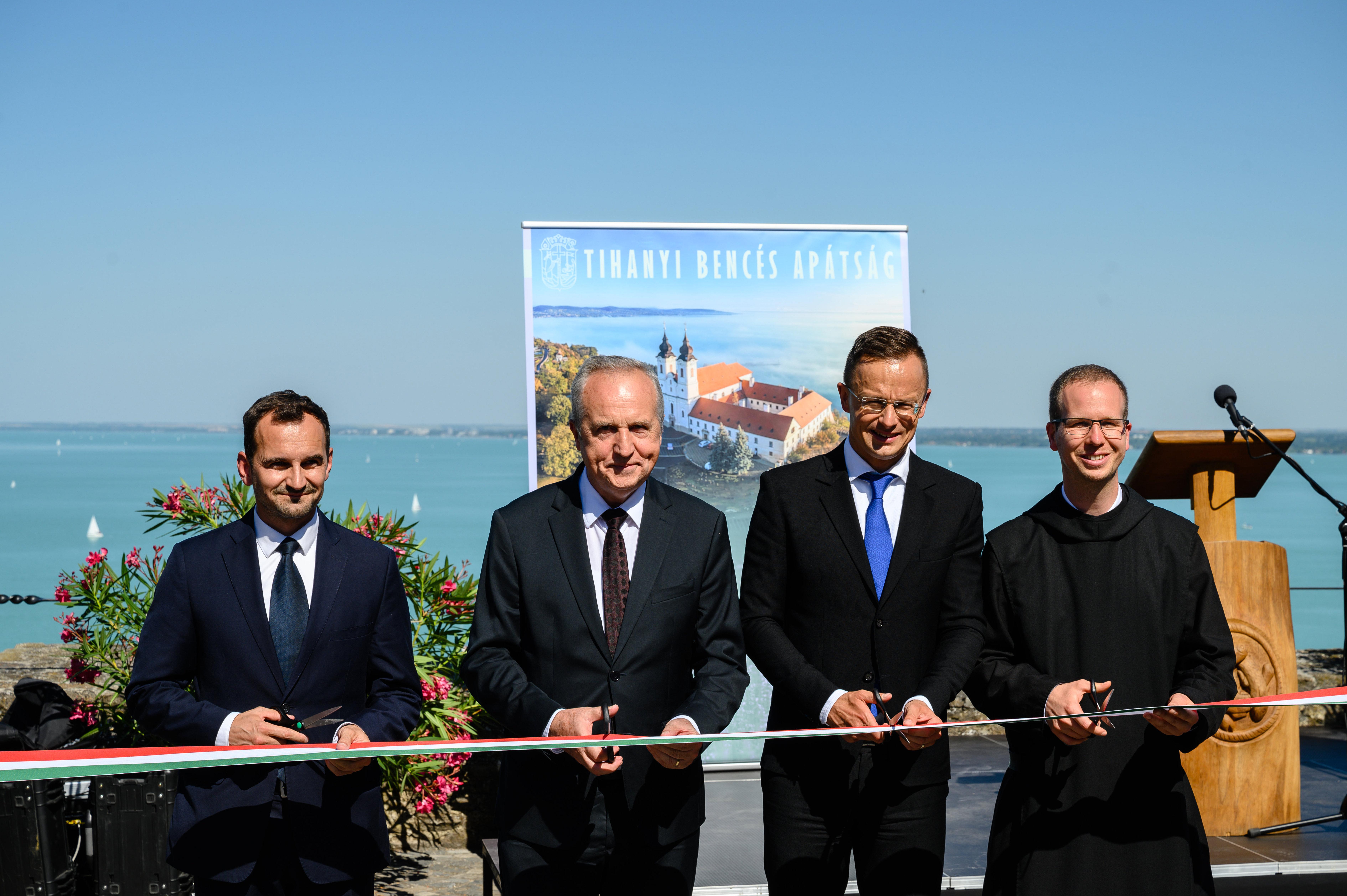 Außenminister nahm an der Einweihungsfeier des Museums der Benediktiner Abtei in Tihany teil post's picture
