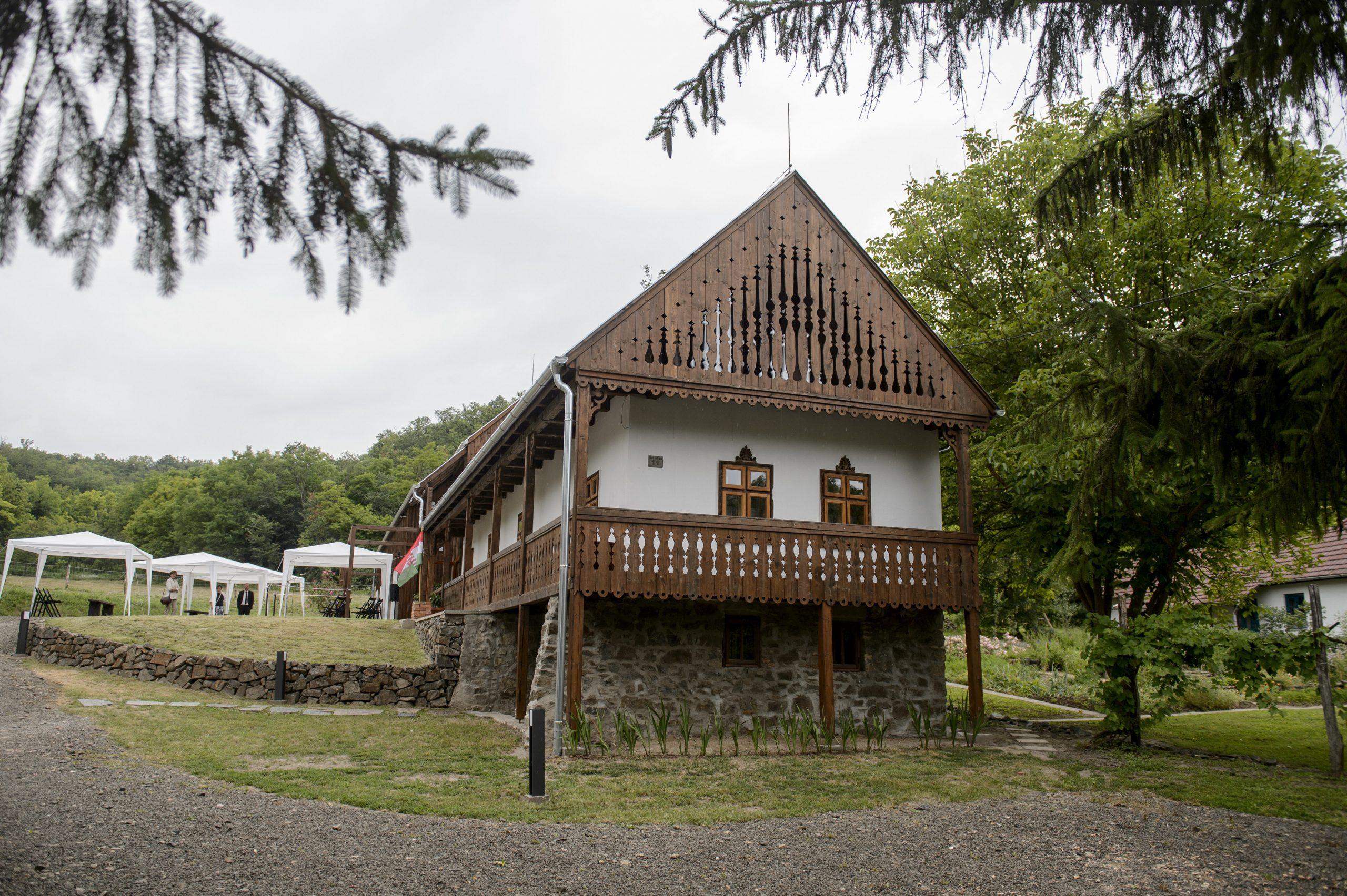 """""""Das Benczúrhaus wird ein Symbol der Region sein, wie das Rubenshaus in Antwerpen"""" post's picture"""