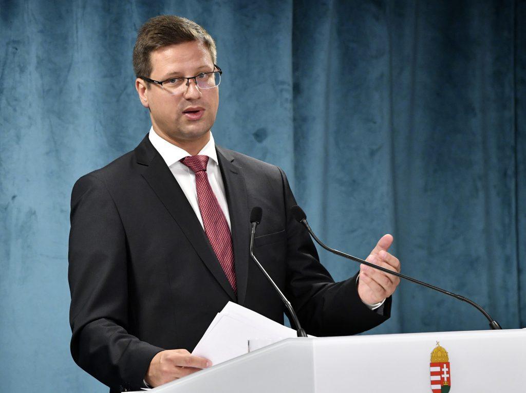 """Kanzleramtsminister über die Pfizer-Massenimpfung: """"Jetzt sehen wir, dass es einen Bedarf dafür gibt"""""""