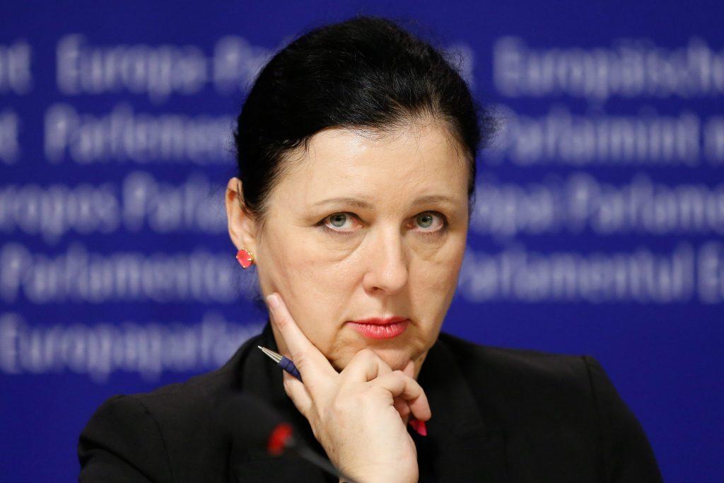 """Kommissionsvize Jourová: """"Wenn Orbán alle rechtsstaatlichen Prinzipien respektiert, kann einer Überprüfung bedenkenlos zustimmen"""""""