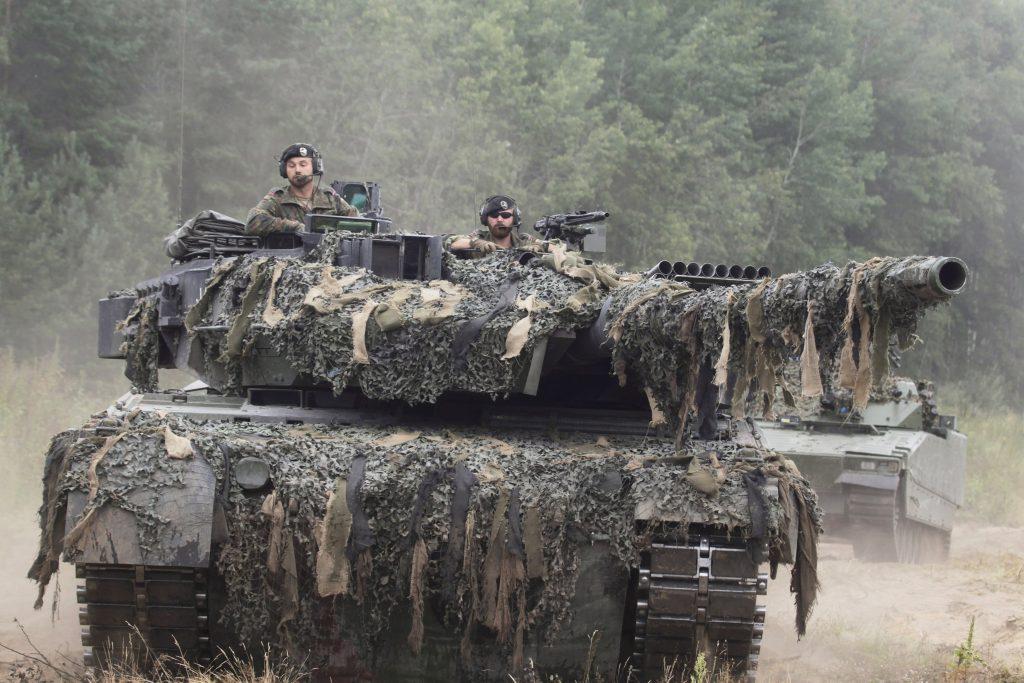 Verteidigungsminister: Erhöhung der Verteidigungsausgaben geplant post's picture