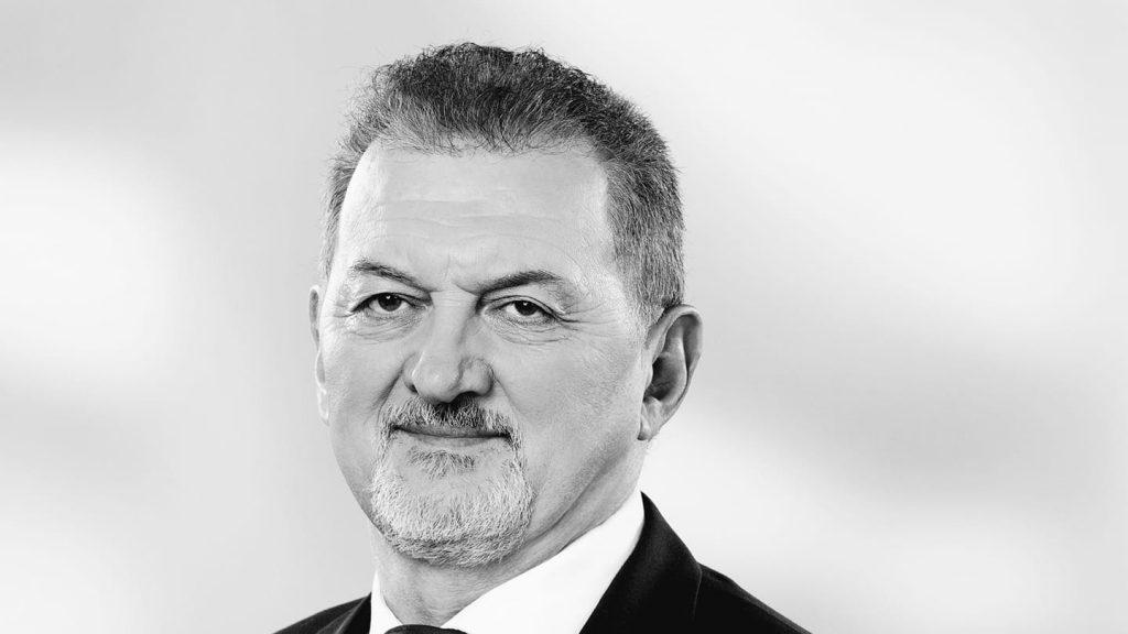 Nach dem tragischen Tod des Abgeordneten hat Fidesz kein zwei Drittel mehr