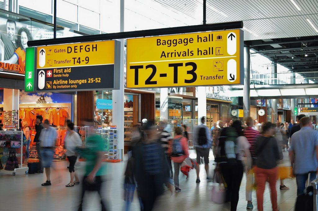 Großbritannien hebt Quarantäneanforderung für Einreisende aus Ungarn auf post's picture