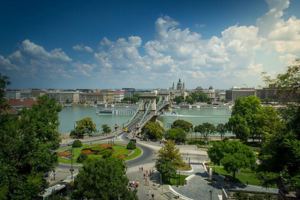 Budapost: Ehemaliger Bürgermeister würde Kettenbrücke sperren post's picture