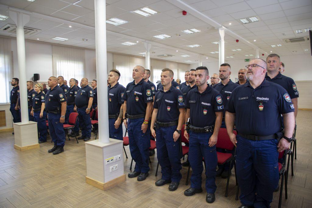 Grenzschutz: Ungarische Polizeieinheit fährt nach Nordmakedonien post's picture