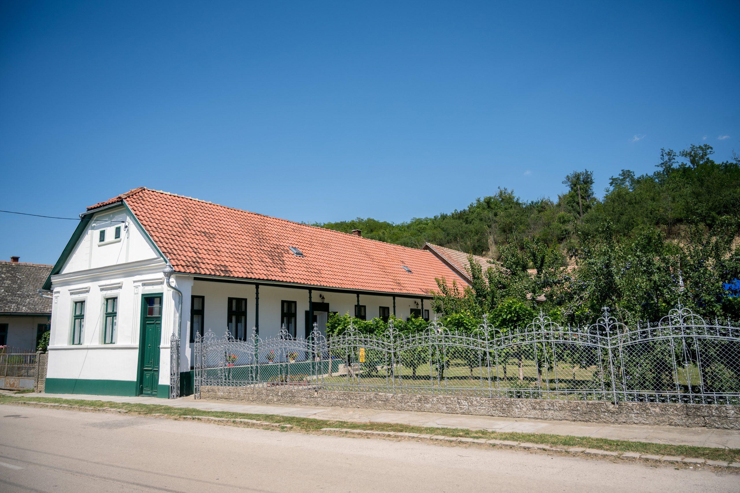 Gemeindehaus der deutschen Minderheit in Gyönk wurde renoviert post's picture
