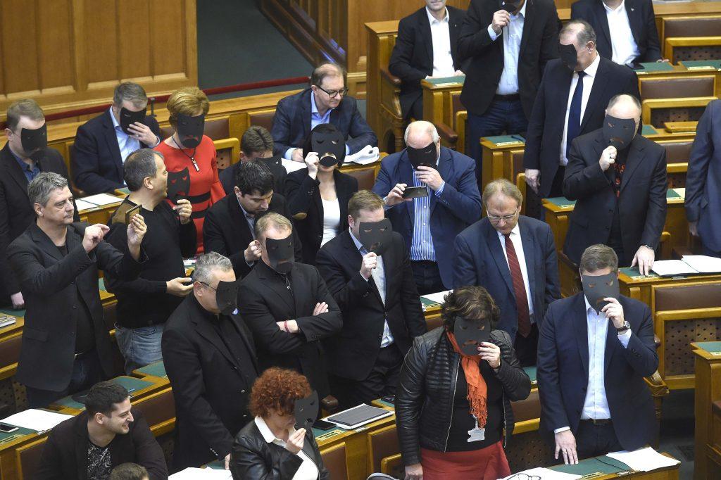 Ex-MSZP-Vize: Partei dem Untergang geweiht
