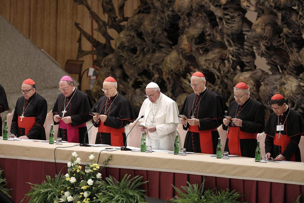 Papst Franziskus beruft Kardinal Erdő in den Vatikanischen Wirtschaftsrat