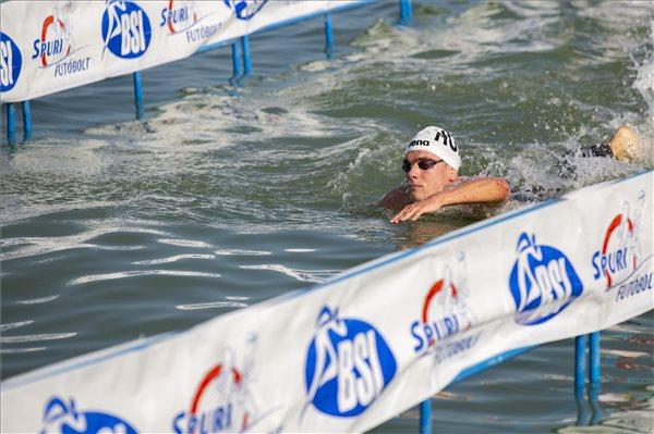 Balaton-Durchschwimmen: Neuer Rekord duch Kristóf Rasovszky