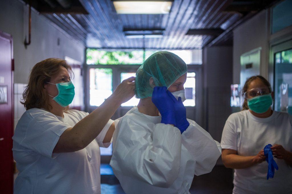 Coronavirus: Die Anzahl der Neuinfektionen nimmt nicht ab, sie beträgt 950 in Ungarn
